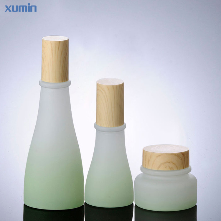 High Quality Golden Cap 50G Frosted Glass Jar Cosmetic 120Ml Cosmetic glass bottles