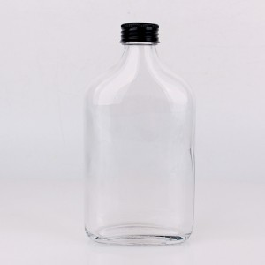 wholesale 100ml 20ml 300ml 500ml transparent flat glass bottle wine bottle for whisky with metal lid