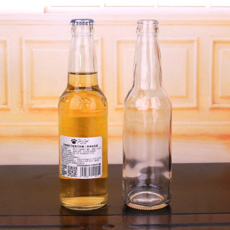 China OEM Club Wine Glass -