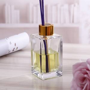 Wholesale rectangular shape crystal aroma decorative glass reed diffuser bottle with metal cap 100ml