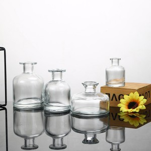 wholesale supplies natural home fragrance decorative glass bottles reed diffuser with natural stick