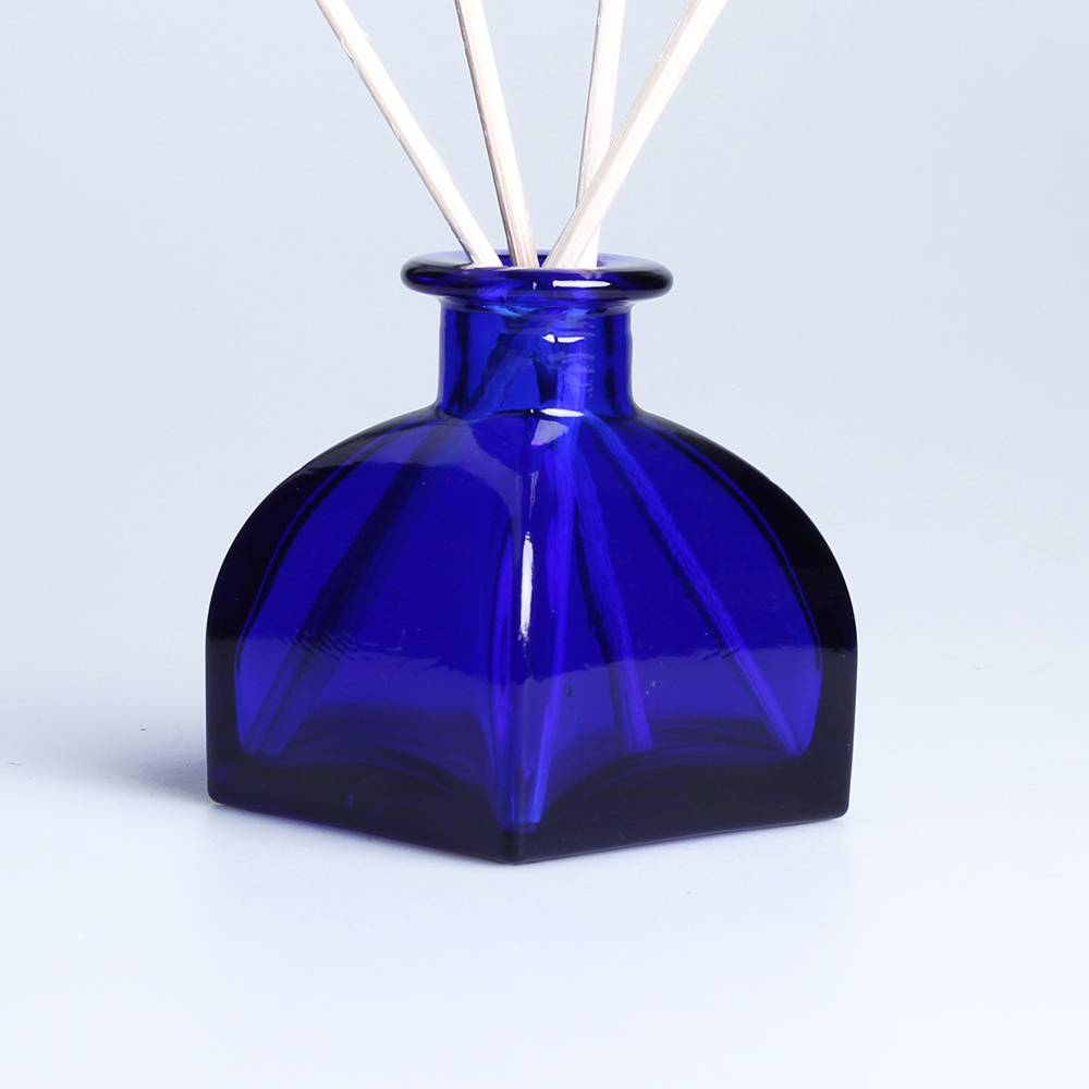 100ml custom aromatherapy reed diffuser glass bottle room fragrance with cork