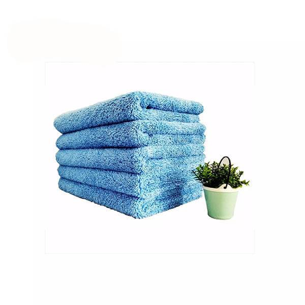 microfiber-towel-for-car-cleaning