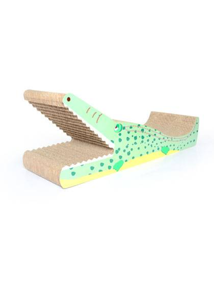 Crocodile Shape Cat Scratcher Featured Image