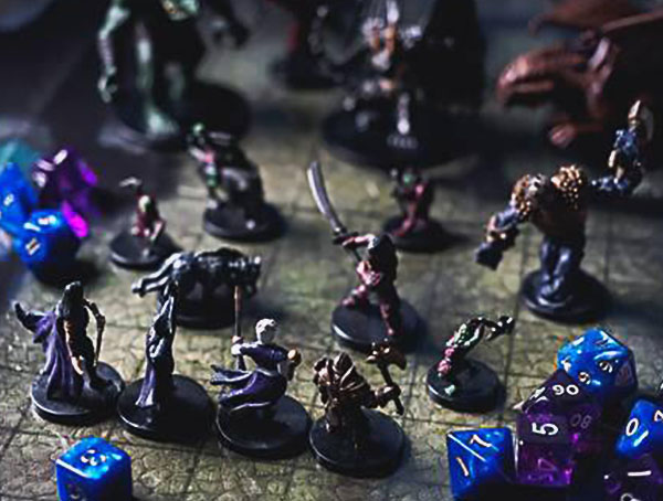 Dungeon e miniaturas dragón